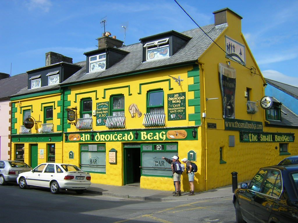 Yellow_Irish_pub